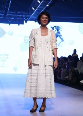 Colossal closet, lakme fashion week 2107, lakme fashion week images, bollywood, lfw'17