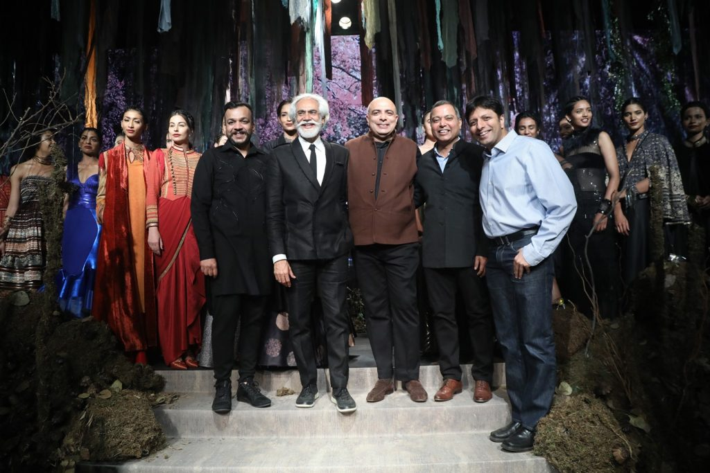 FDCI, AIFWAW17, Fashion week,Colossal closet, Grand Finale, Tarun Tahiliani, H&M, Sustainable fashion, AIFW, AMAZON INDIA FASHION WEEK, Diya Mirza