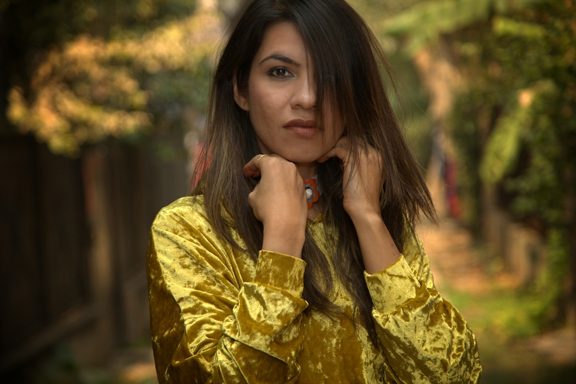 gold, ootd, winter fashion, winter trends, lookbook, newlook, twinkeldeals, millitaryboots, velvet, oversized sweatshirt, fashion, fashionblogger, colossal closet, mansi wadhwa